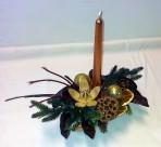 Podlhovastý zlatohonedý vianočný aranžmán