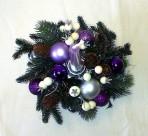 Svetlofialový vianočný aranžmán