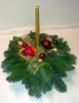 Zlatočervený okrúhly vianočný aranžmán