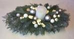 Biely vianočný aranžmán